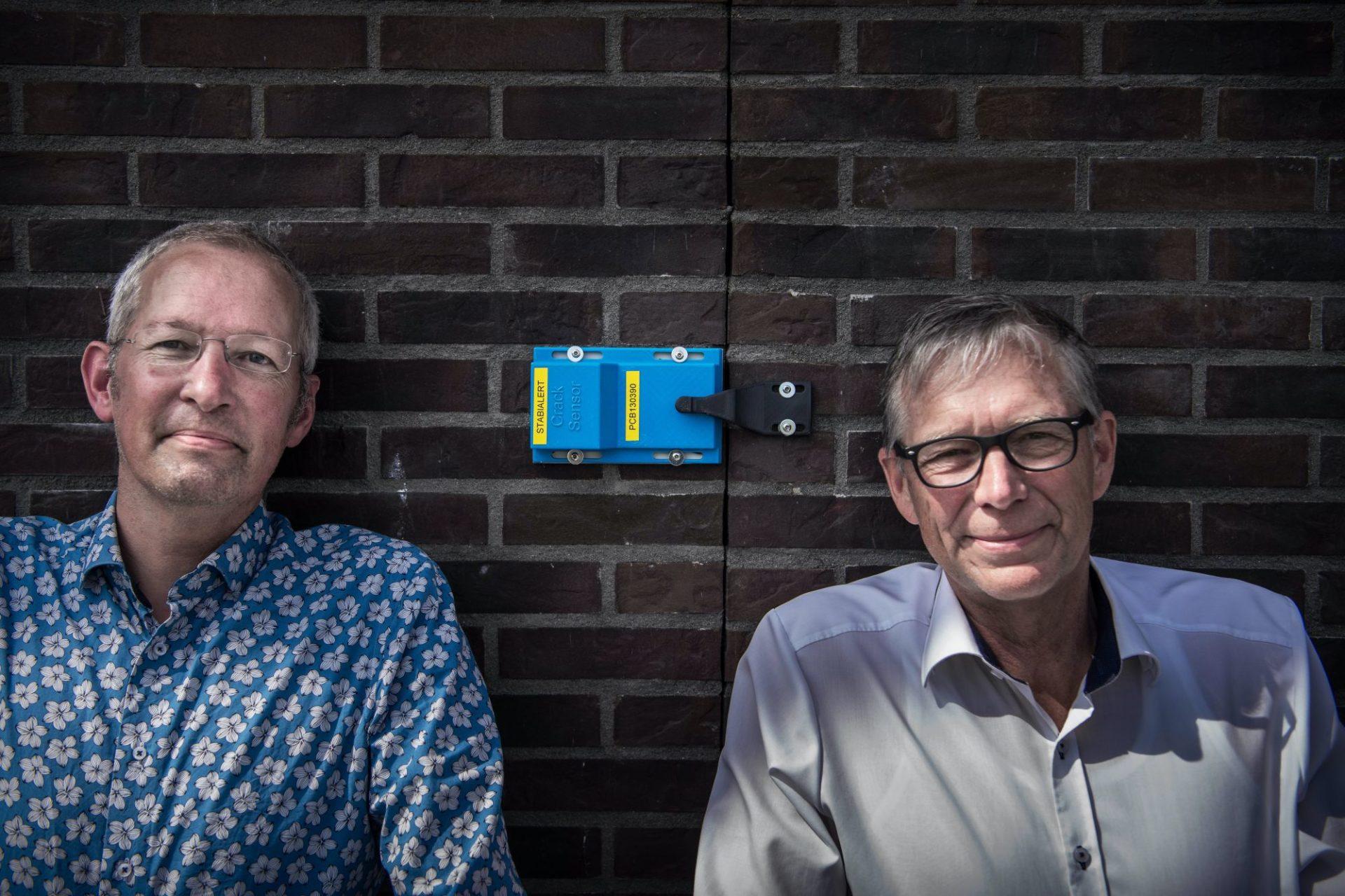 Unieke digitale scheurmeter monitort scheuren in gebouwen, bruggen, dijken en tunnels